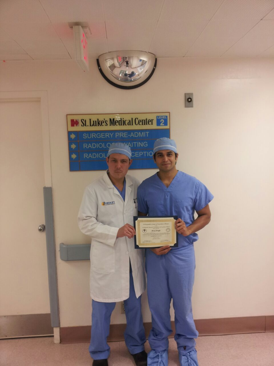 Dr. Anuj Singh has received training in advanced joint replacement surgeries at Headly Orthopedic Institute in U.S.A.|Hip & Knee Replacement Centre|Kandivali West,Mumbai